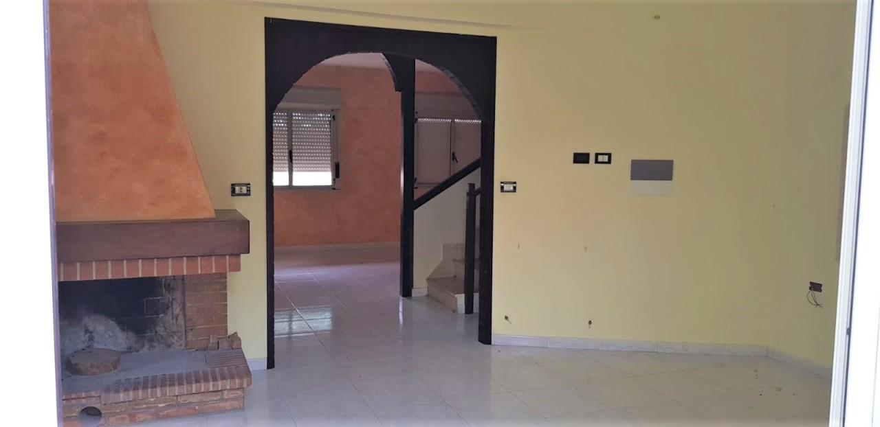 Appartamento in vendita a Roghudi, 5 locali, prezzo € 55.000 | CambioCasa.it