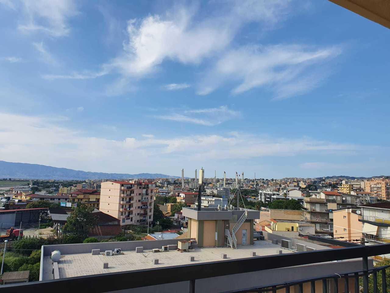 Appartamento in vendita a Reggio Calabria, 5 locali, prezzo € 160.000 | CambioCasa.it