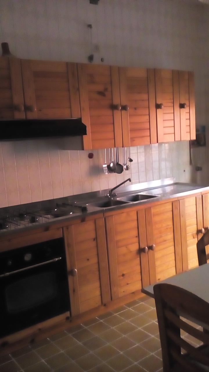 Appartamento in vendita a Siderno, 4 locali, prezzo € 90.000 | CambioCasa.it