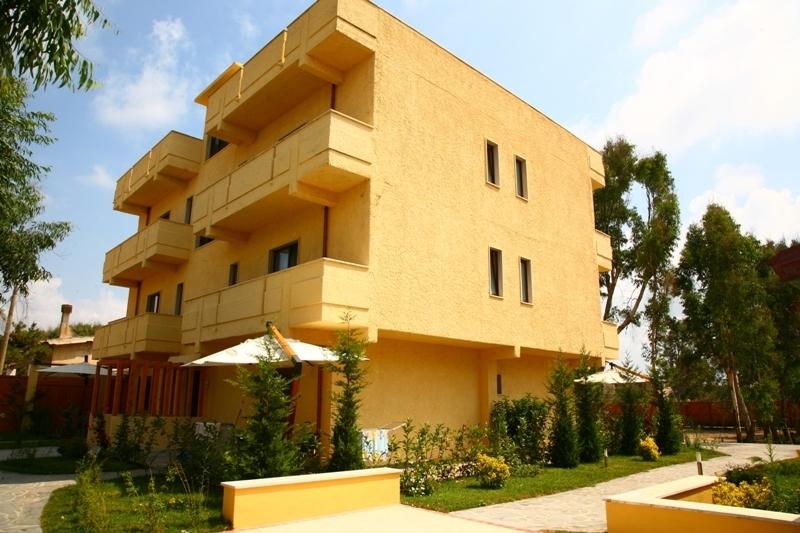 Soluzione Indipendente in vendita a San Ferdinando, 16 locali, prezzo € 195.000 | CambioCasa.it