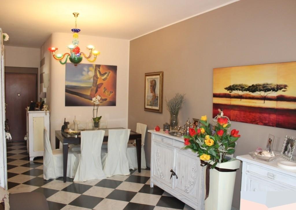 Appartamento in buone condizioni in vendita Rif. 9224799