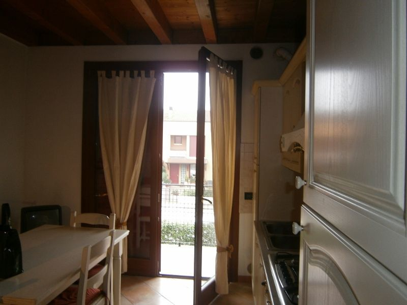 Appartamento in buone condizioni arredato in affitto Rif. 10701913