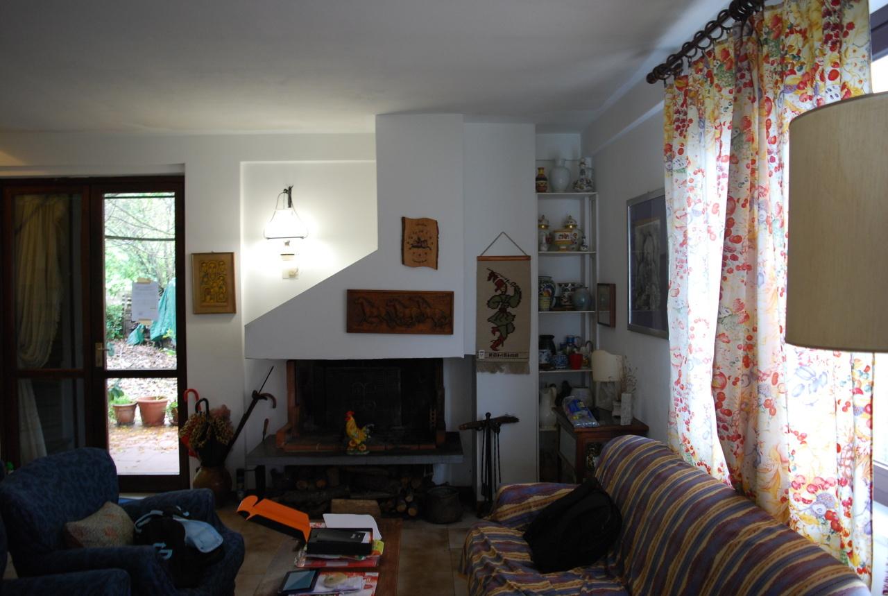 Casa Indipendente in buone condizioni in vendita Rif. 5764483