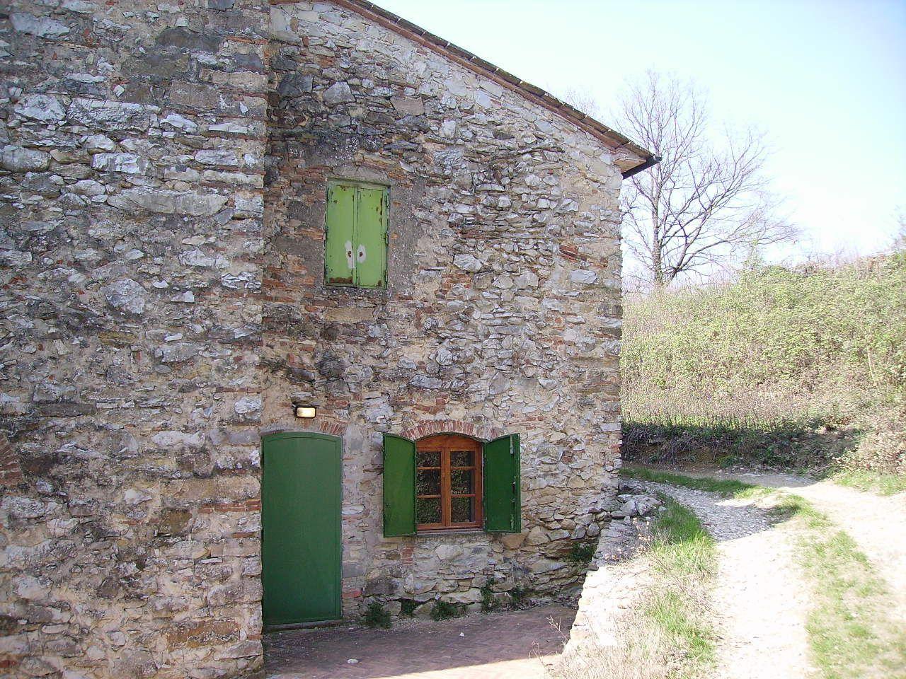 Rustico / Casale in vendita a Serravalle Pistoiese, 8 locali, prezzo € 490.000 | CambioCasa.it