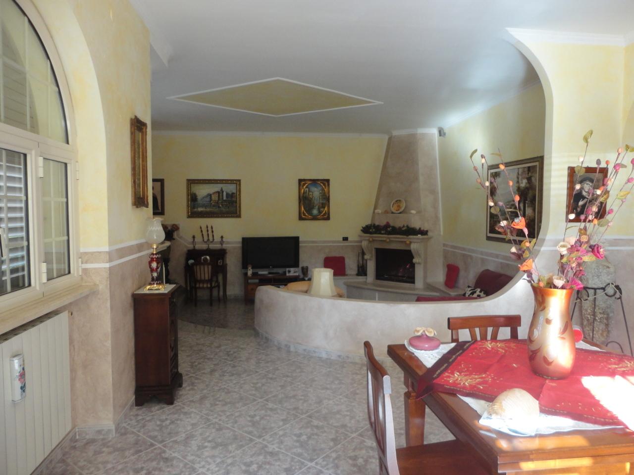 Casa Indipendente in buone condizioni in vendita Rif. 12384209