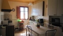 Appartamento in Vendita a Lucca, zona Centro Storico, 245'000€, 110 m²