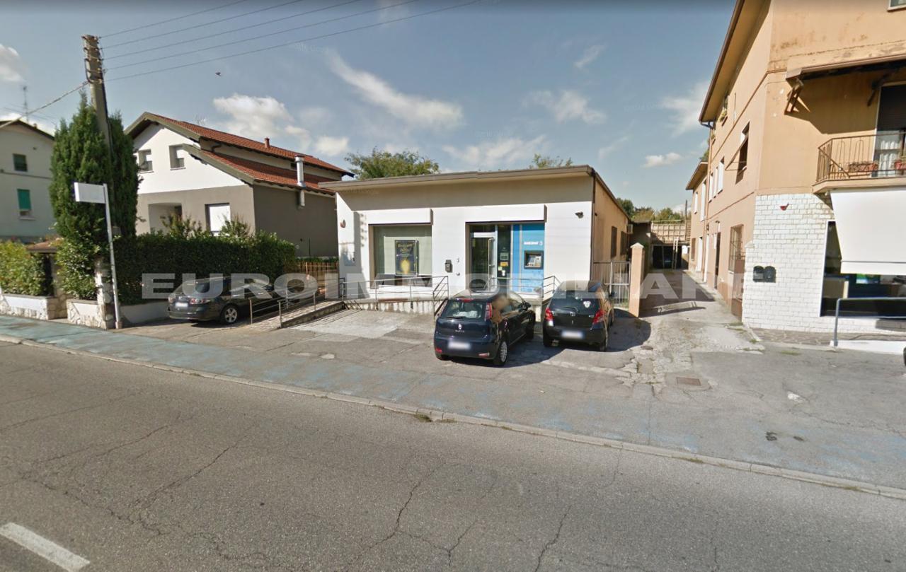Negozio / Locale in affitto a Flero, 1 locali, prezzo € 1.800 | CambioCasa.it