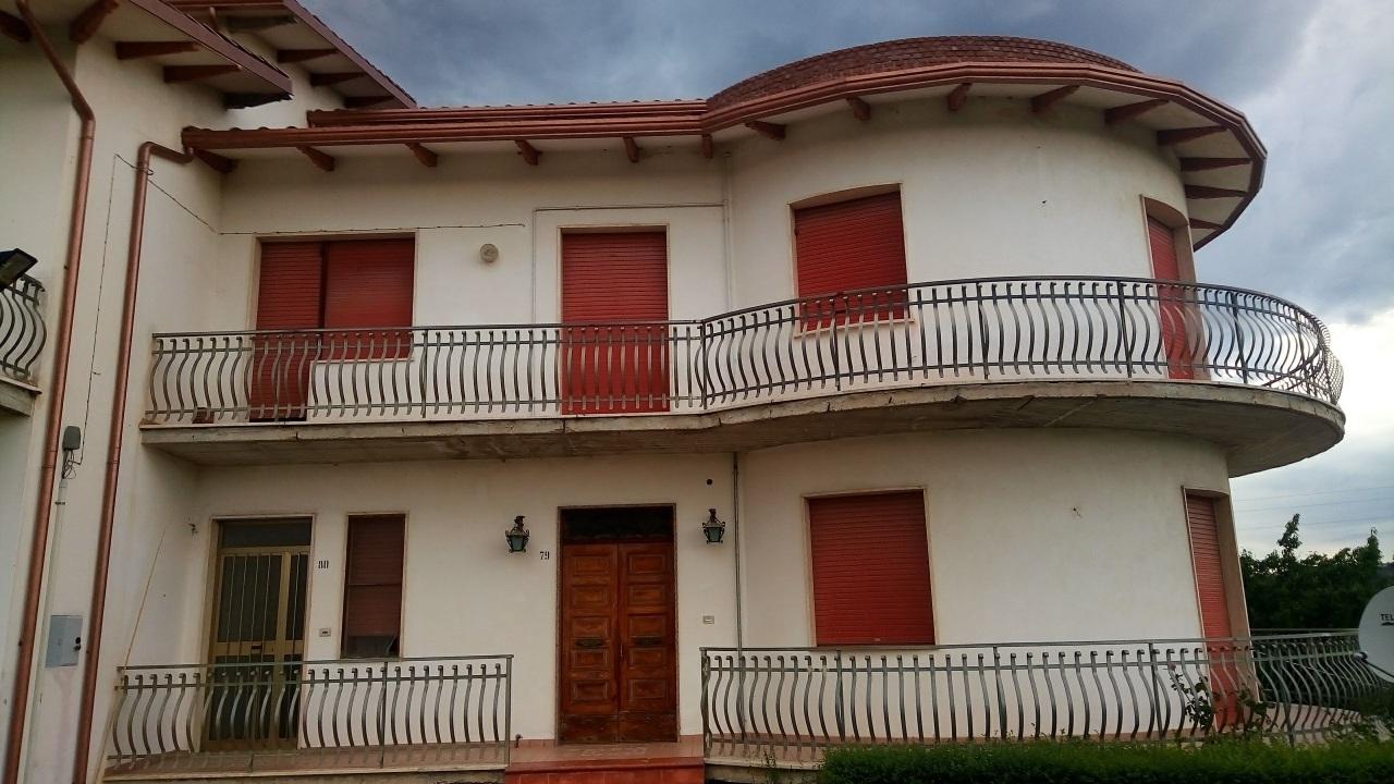 Appartamento in vendita a Manoppello, 6 locali, prezzo € 110.000 | PortaleAgenzieImmobiliari.it