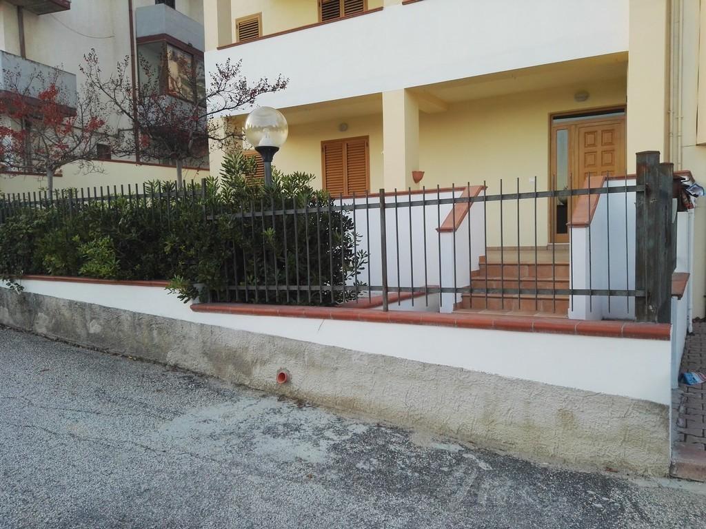 Appartamento in ottime condizioni in vendita Rif. 8729960