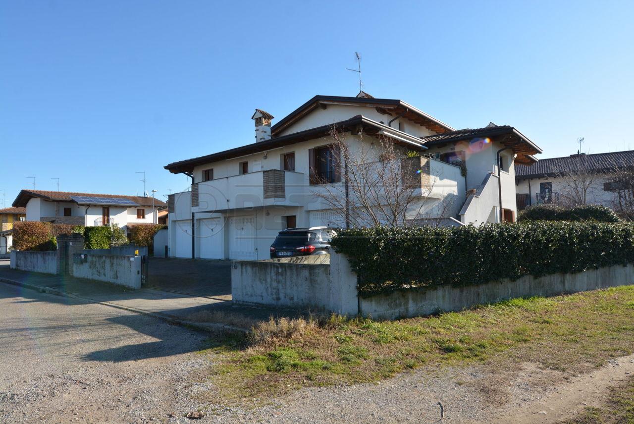 Villa in vendita a Cervignano del Friuli, 6 locali, prezzo € 195.000   CambioCasa.it