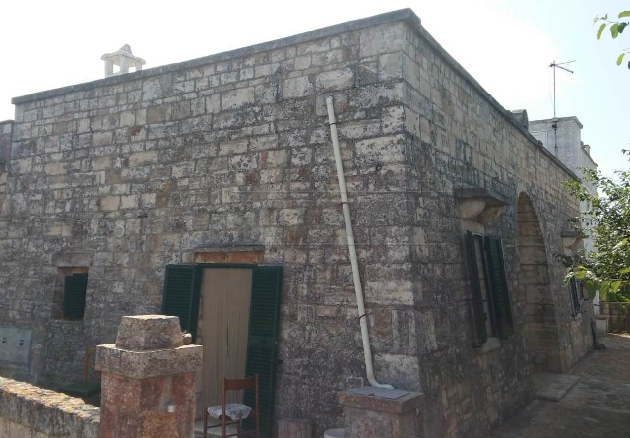Villetta a schiera in discrete condizioni in vendita Rif. 10519193