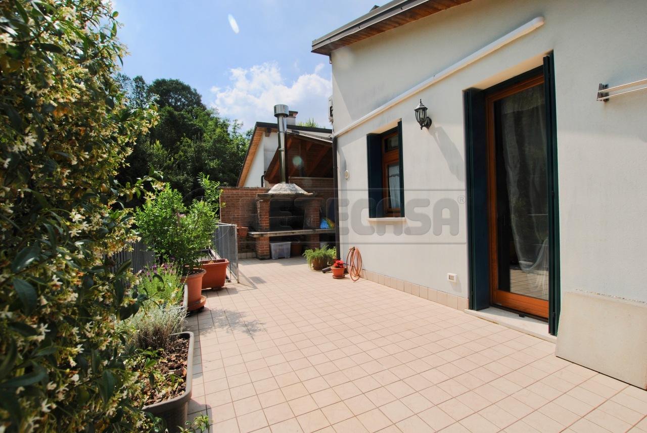 Appartamento in ottime condizioni arredato in vendita Rif. 10546763