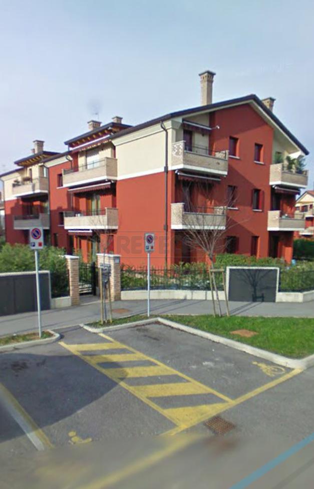 Appartamento da ristrutturare in vendita Rif. 9902538