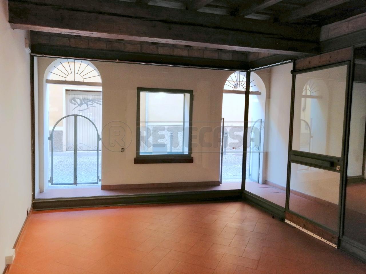 Ufficio / Studio in affitto a Mantova, 2 locali, prezzo € 450 | CambioCasa.it