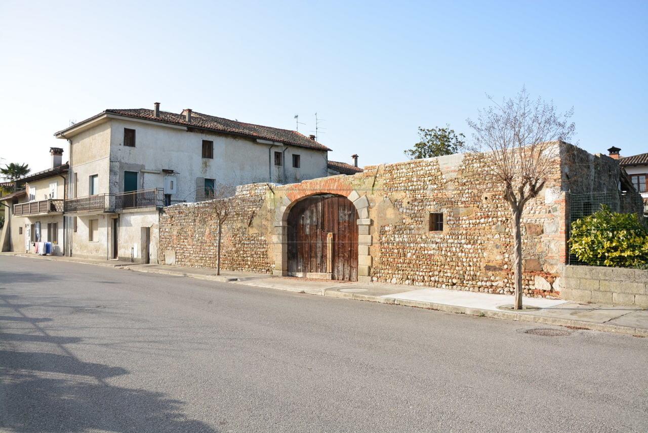 Soluzione Indipendente in vendita a Bagnaria Arsa, 9 locali, prezzo € 129.000   CambioCasa.it