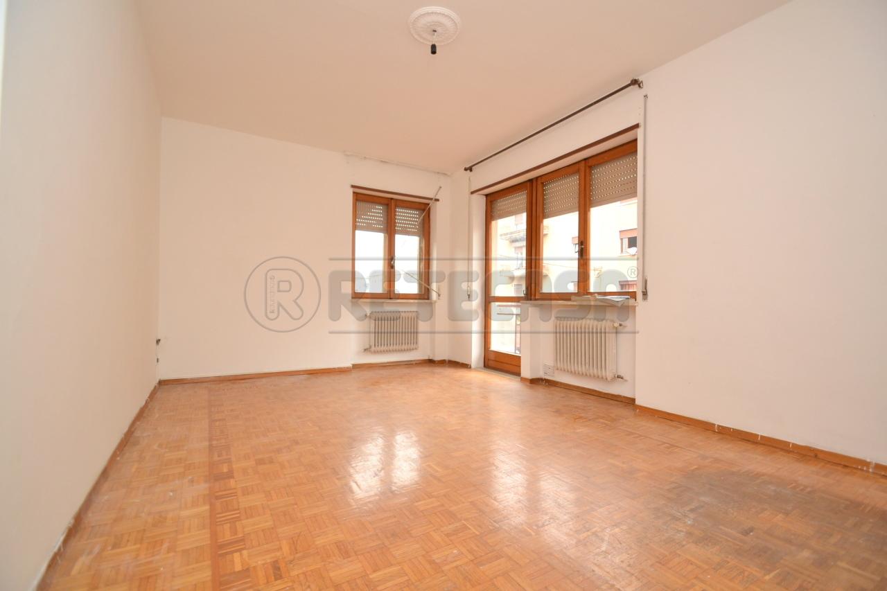 Appartamento in vendita a Valdagno, 7 locali, prezzo € 75.000 | PortaleAgenzieImmobiliari.it