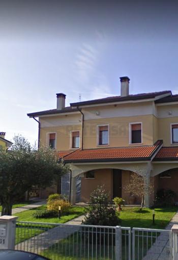 Porzione di casa da ristrutturare in vendita Rif. 11681623