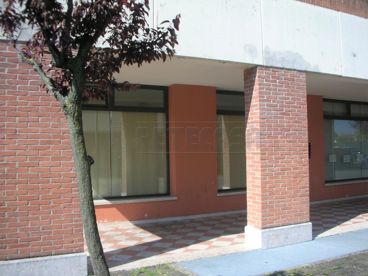 Negozio / Locale in vendita a Villaverla, 1 locali, prezzo € 45.000   CambioCasa.it