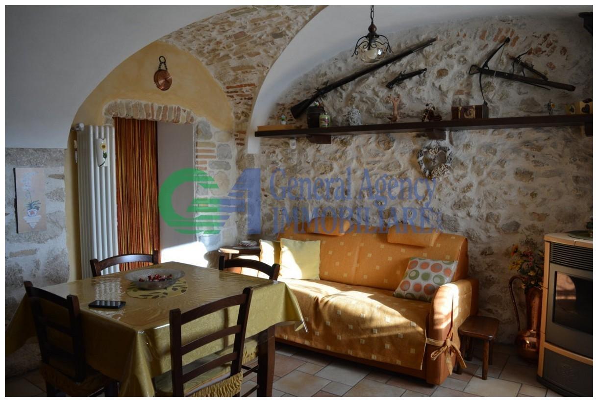 Appartamento in vendita a Avezzano, 1 locali, prezzo € 80.000   CambioCasa.it