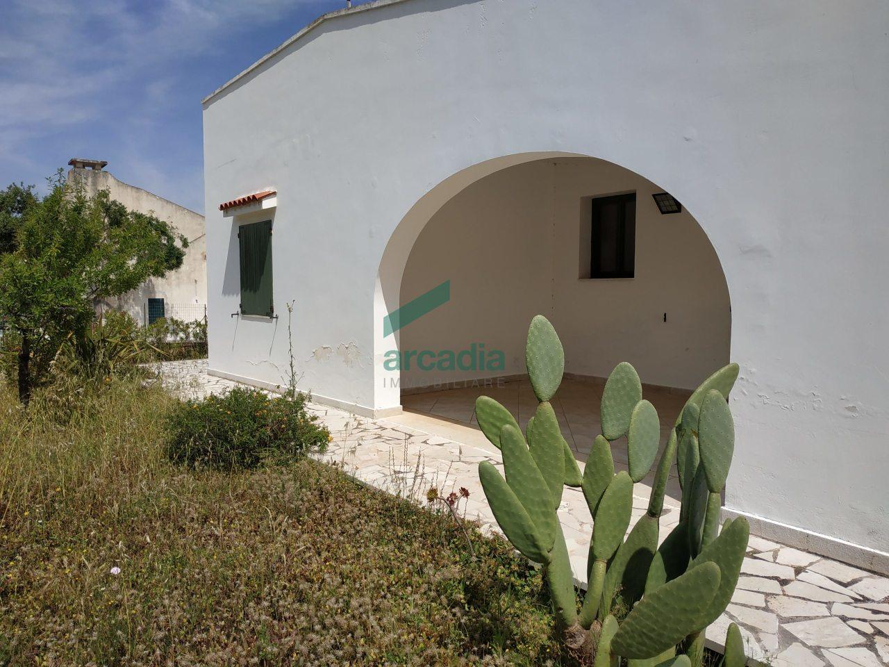 Villa in discrete condizioni in vendita Rif. 10882765