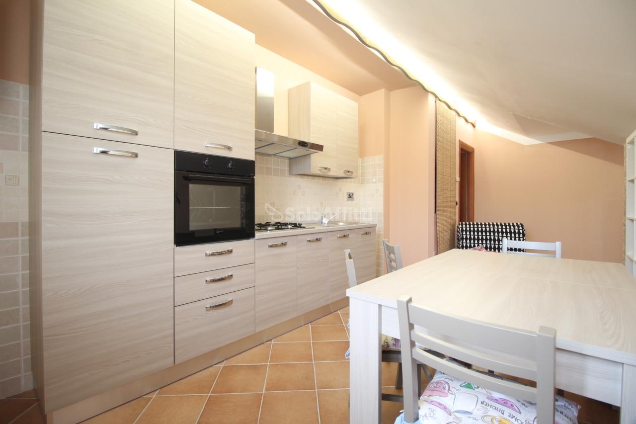 Attico / Mansarda in ottime condizioni arredato in affitto Rif. 10380672
