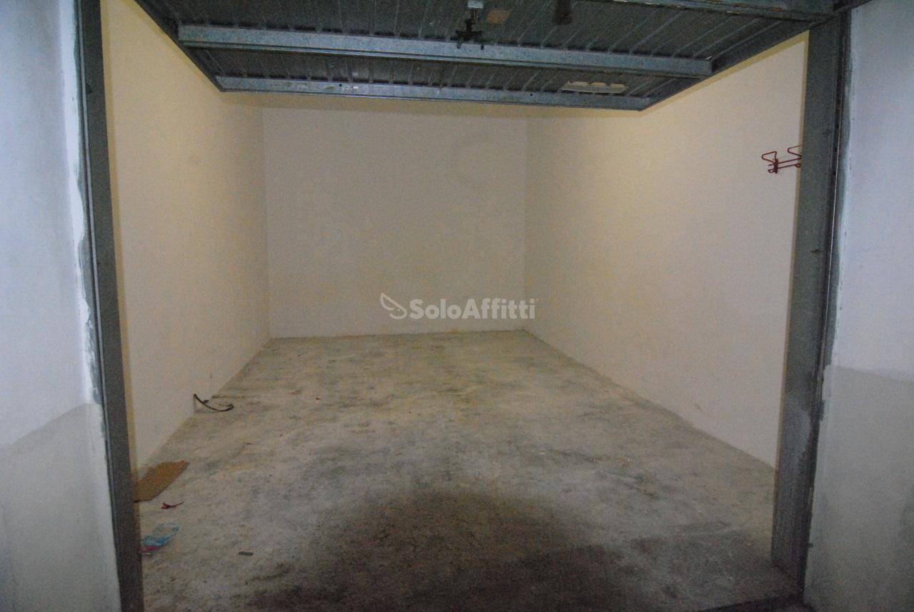 Garage - Singolo a Calzabigi, Mameli, Livorno