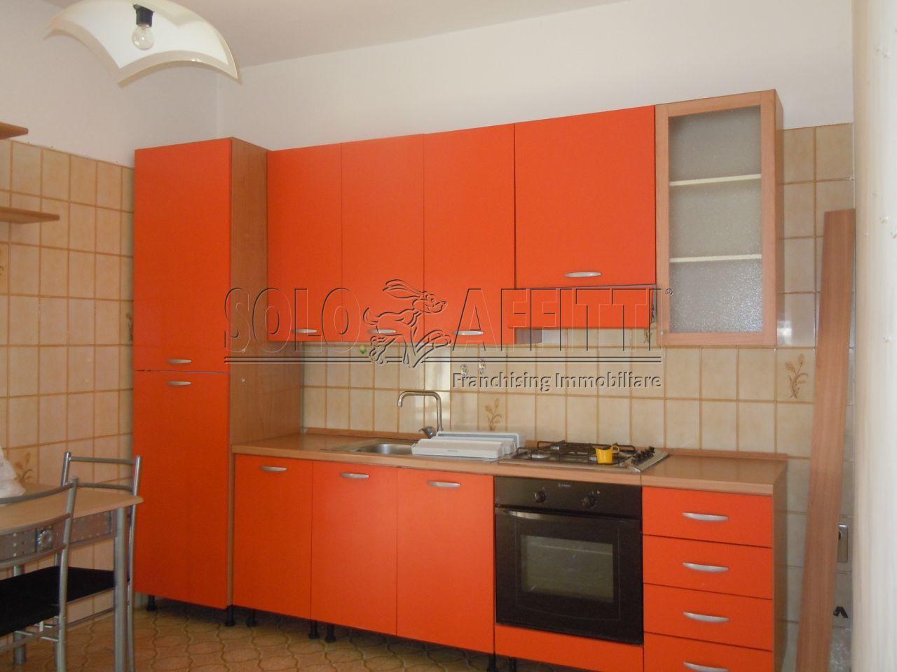 Bilocale in ottime condizioni arredato in affitto Rif. 9957578