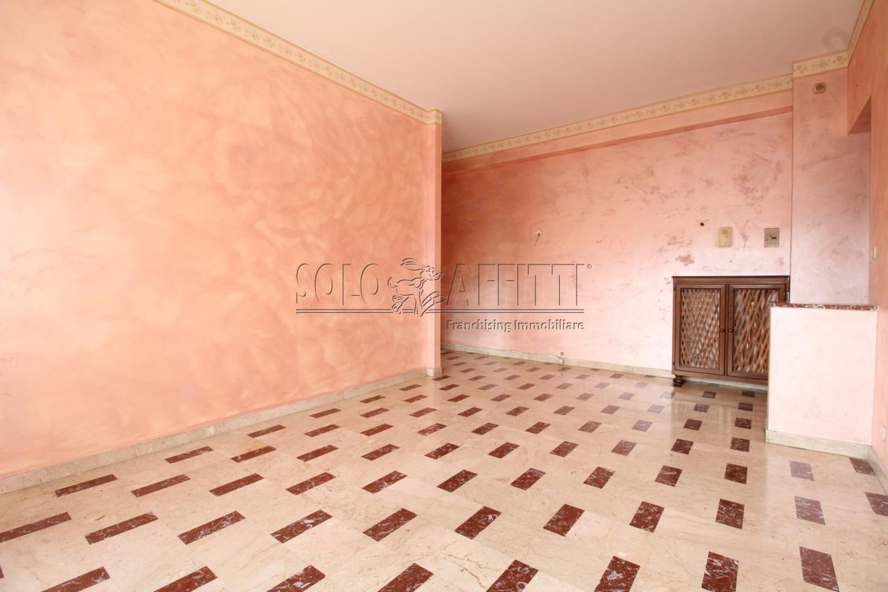 Quadrilocale da ristrutturare in affitto Rif. 7779293