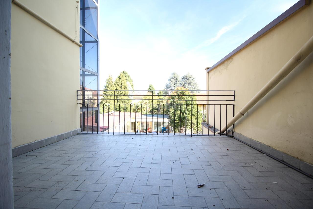 Trilocale in buone condizioni in affitto Rif. 6414280