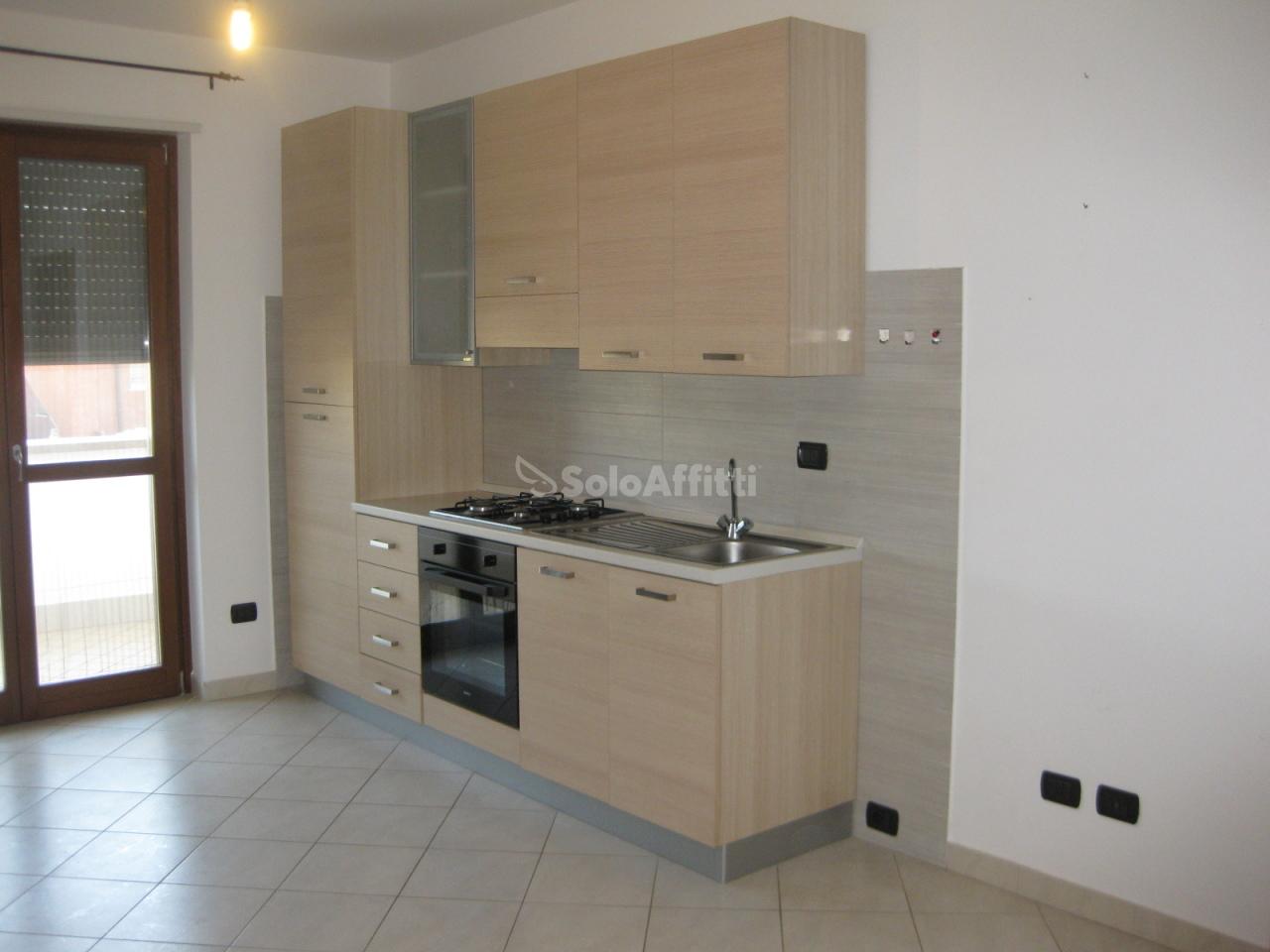 Bilocale in ottime condizioni arredato in affitto Rif. 10140090