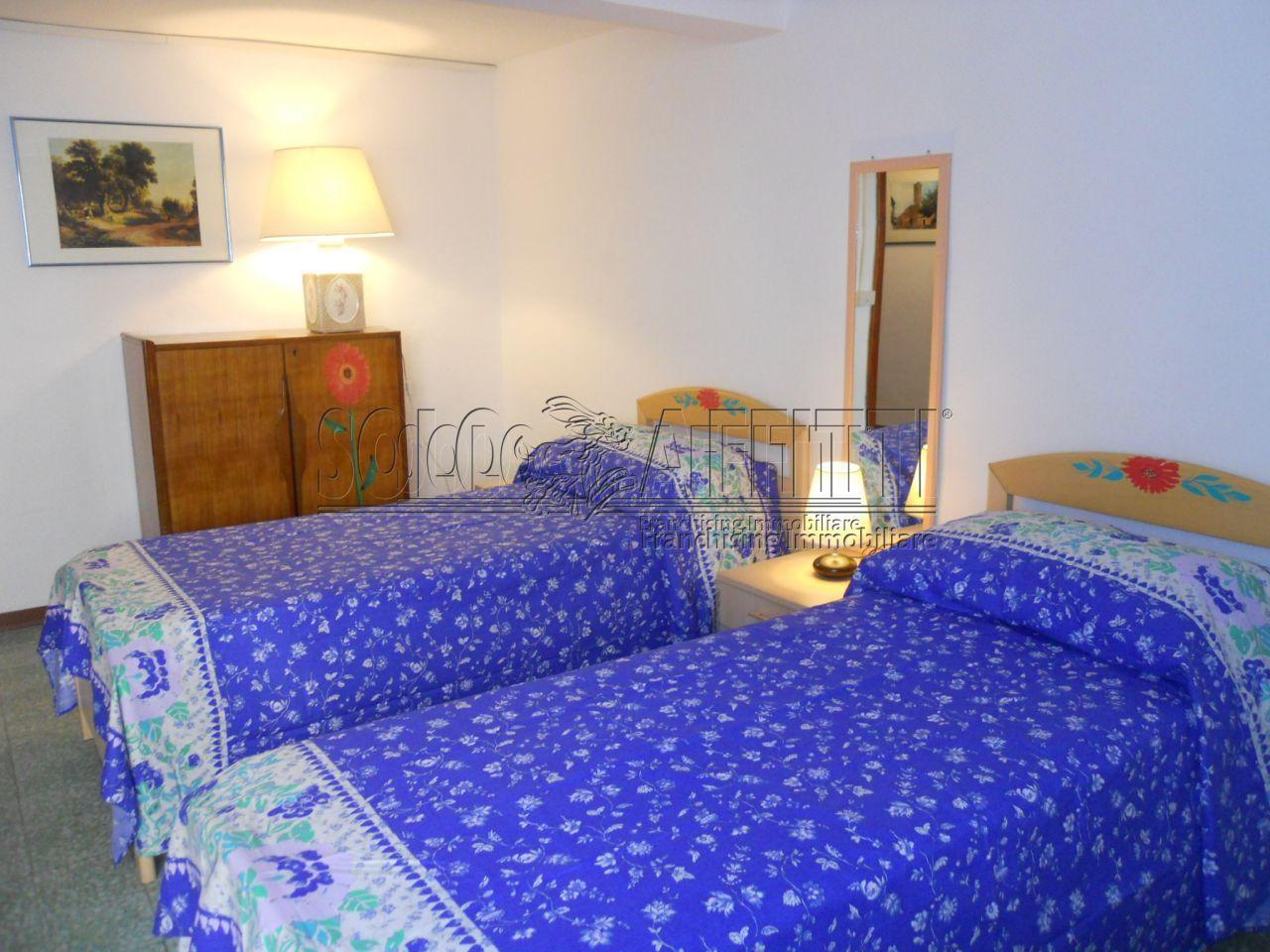 Stanza / posto letto in buone condizioni arredato in affitto Rif. 12120318
