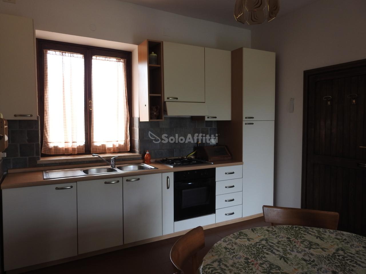 Casa Indipendente in buone condizioni in affitto Rif. 6401583
