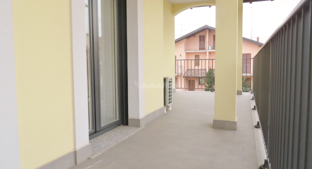 Bilocale in ottime condizioni arredato in affitto Rif. 11125937