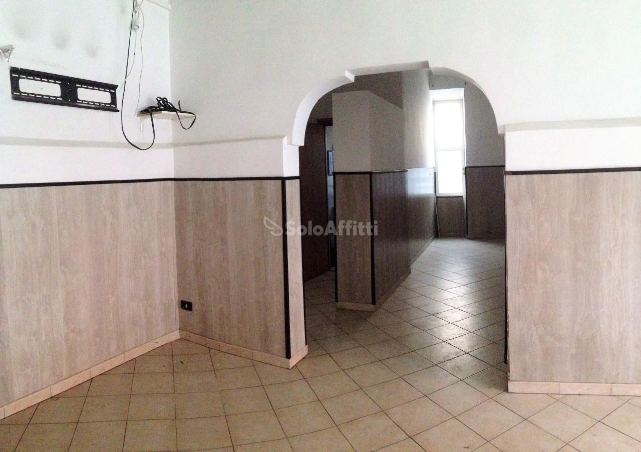 Fondo/negozio - 1 vetrina/luce a Centro, Ciampino Rif. 11657704