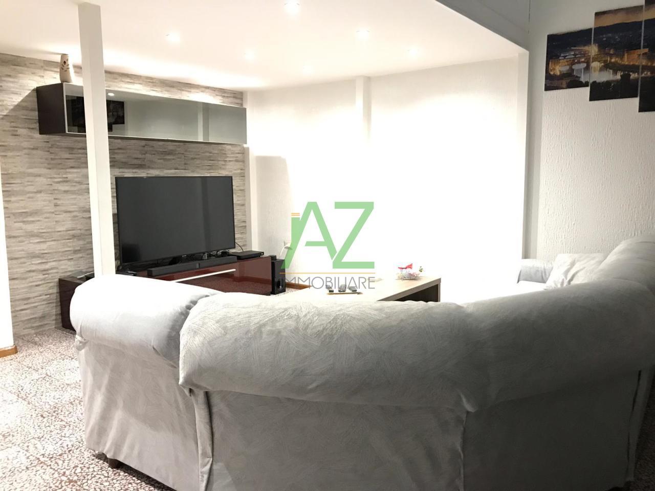 Appartamento in buone condizioni arredato in affitto Rif. 10862960