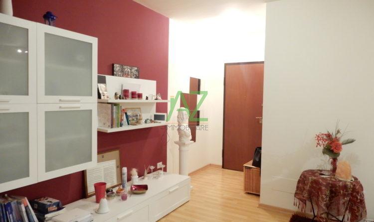 Appartamento in buone condizioni in vendita Rif. 11077344