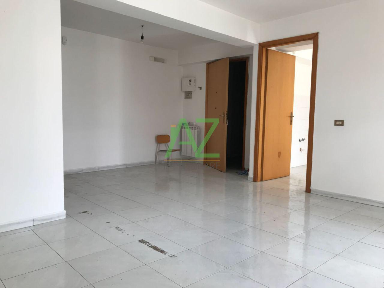 Appartamento in vendita a Motta Sant'Anastasia, 3 locali, prezzo € 83.000 | PortaleAgenzieImmobiliari.it