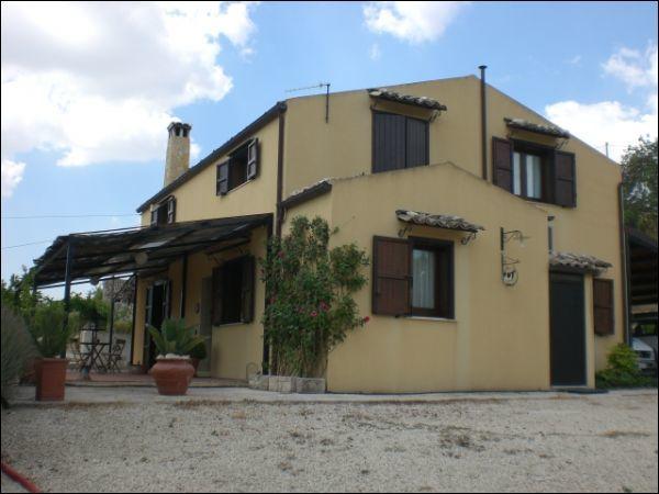 Villa in vendita Rif. 10140238