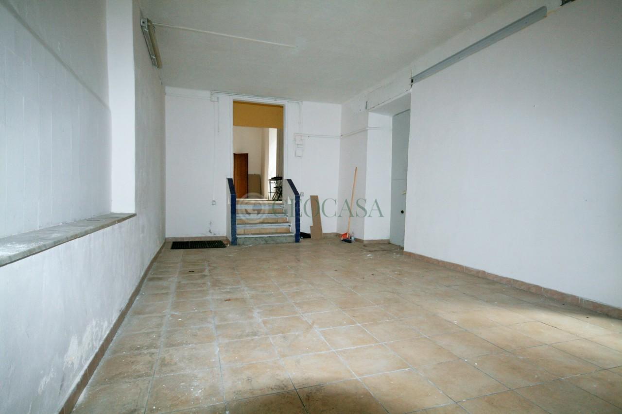 Capannone in affitto a La Spezia, 9999 locali, prezzo € 800 | CambioCasa.it