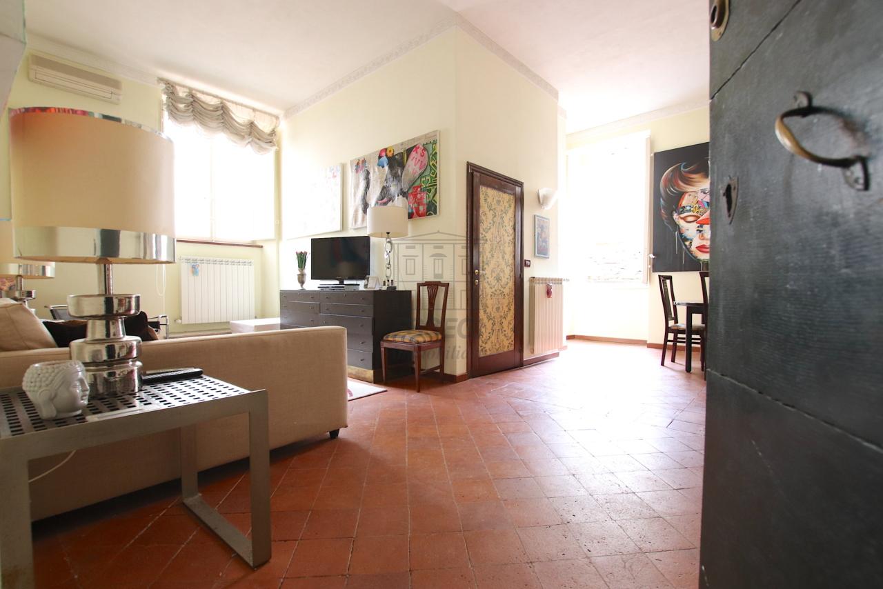 Appartamento Lucca Centro storico IA03541 img 2