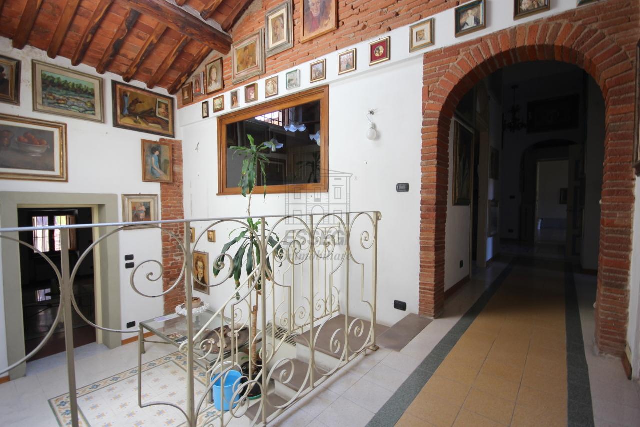Appartamento Lucca Centro storico IA03358 img 17