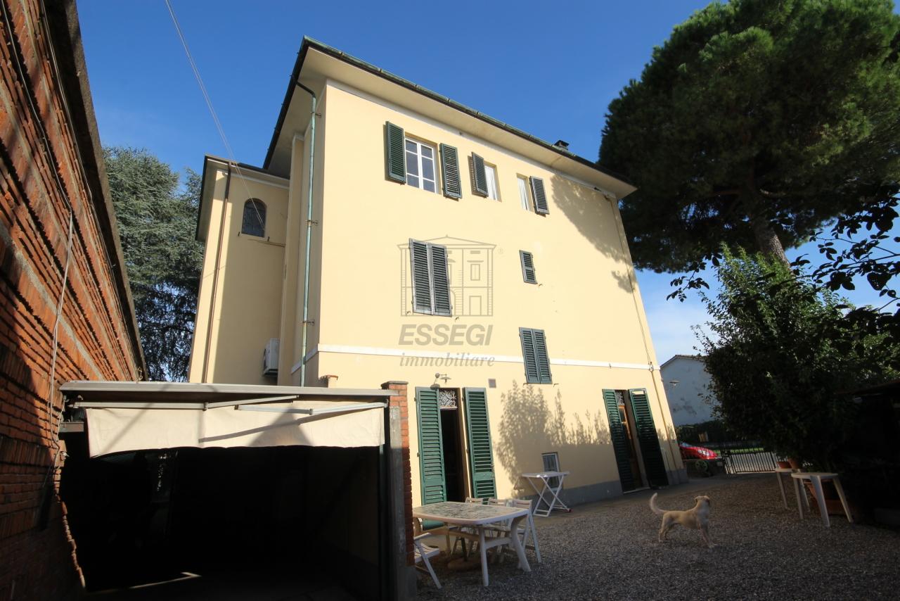 Appartamento Lucca IA01579 img 12