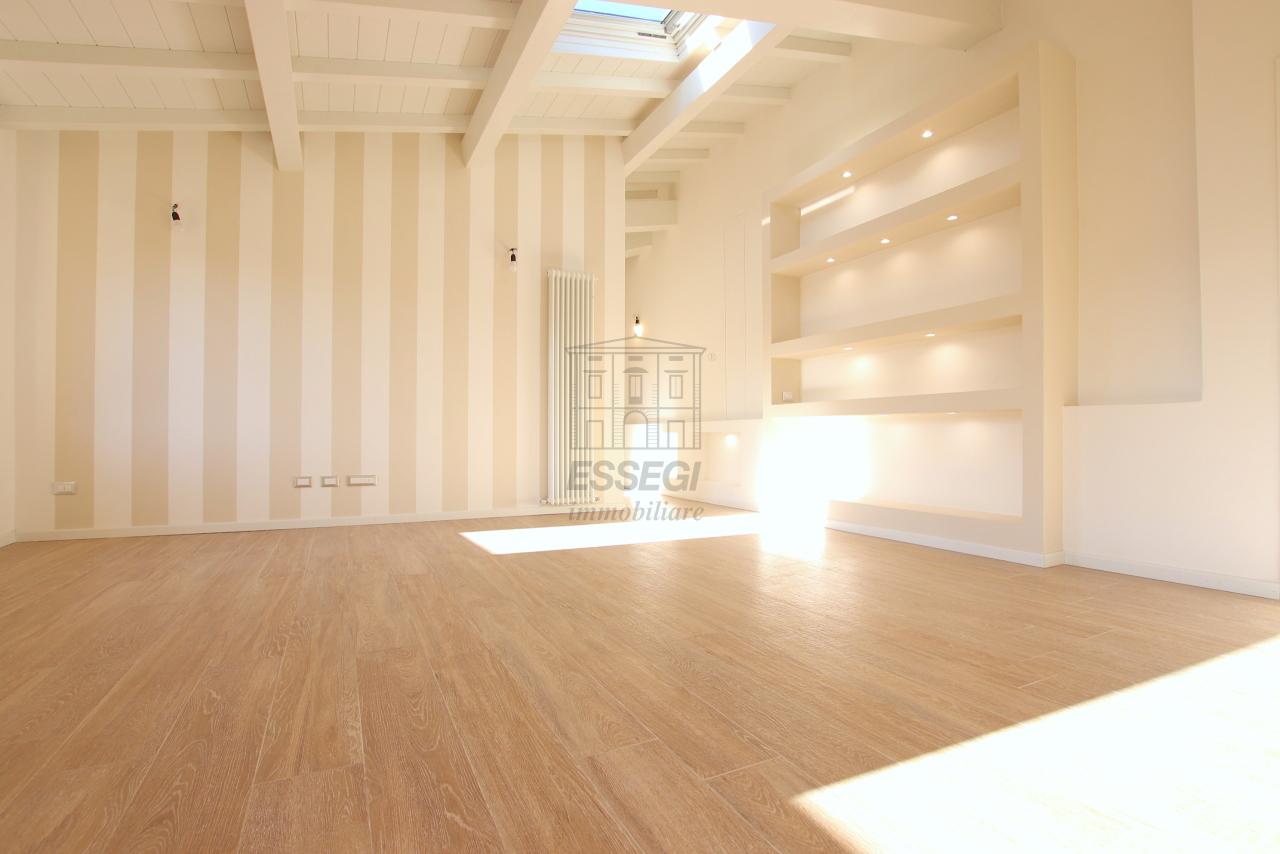 Appartamento Lucca Centro storico IA01850-bis img 5