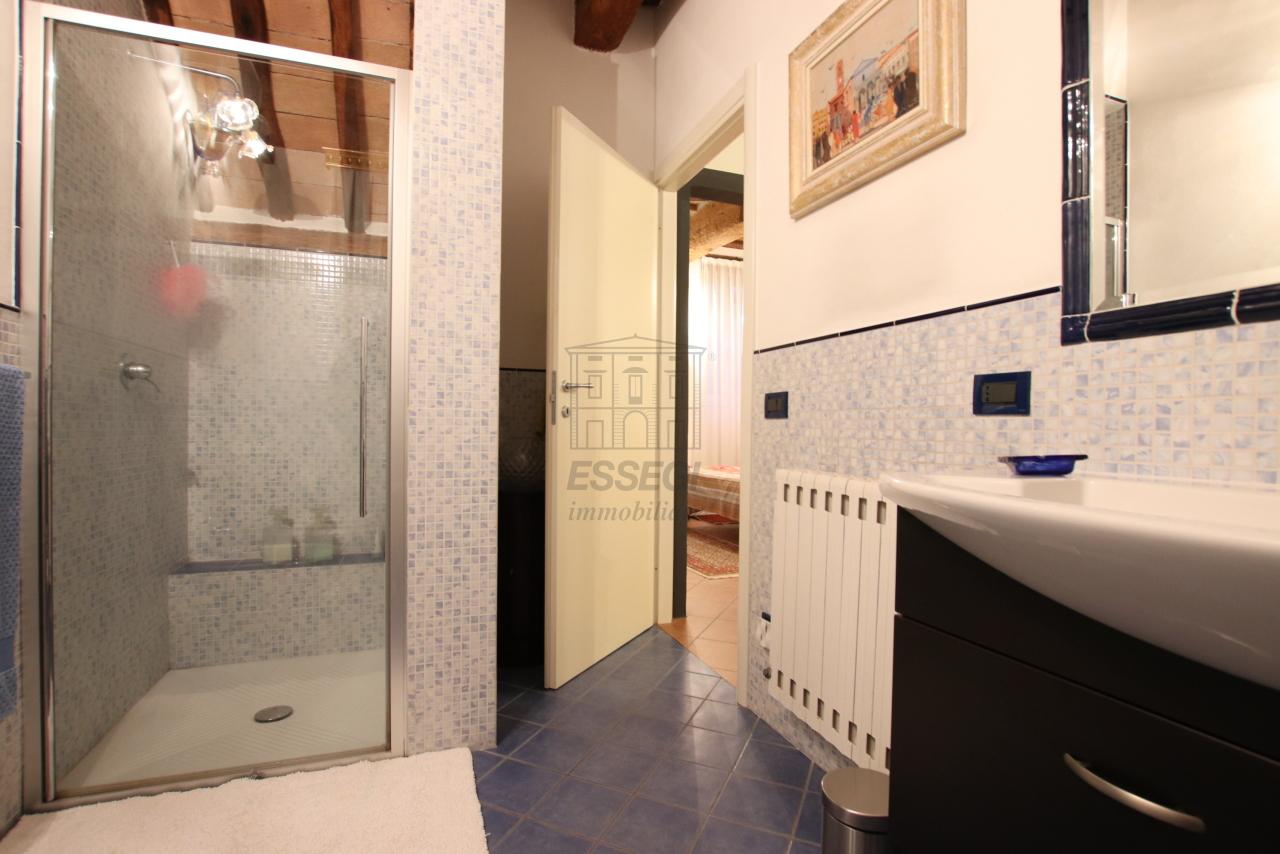 Appartamento Lucca Centro storico IA03524 img 15