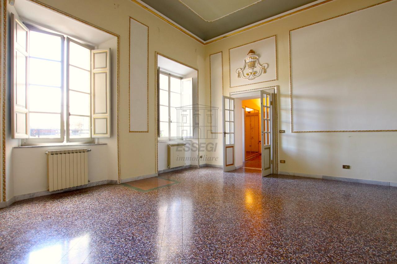 Appartamento Lucca Centro storico IA03468 img 2