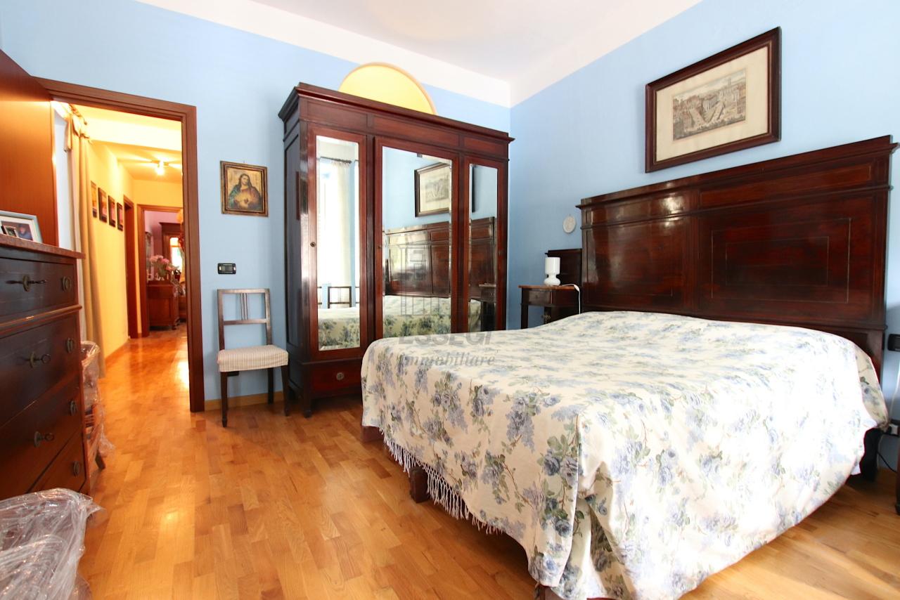 Appartamento Lucca Centro storico IA03546 img 23