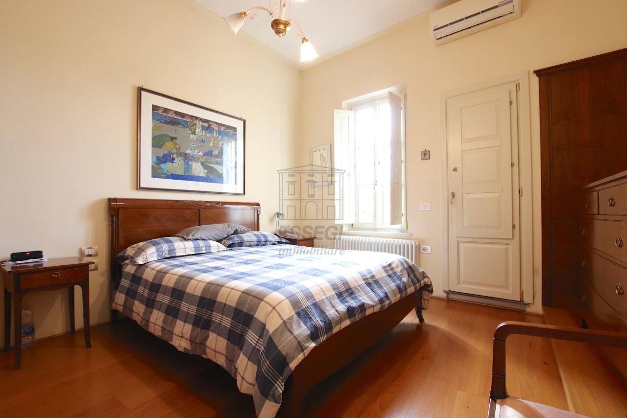Appartamento Lucca Centro storico IA03474 img 18