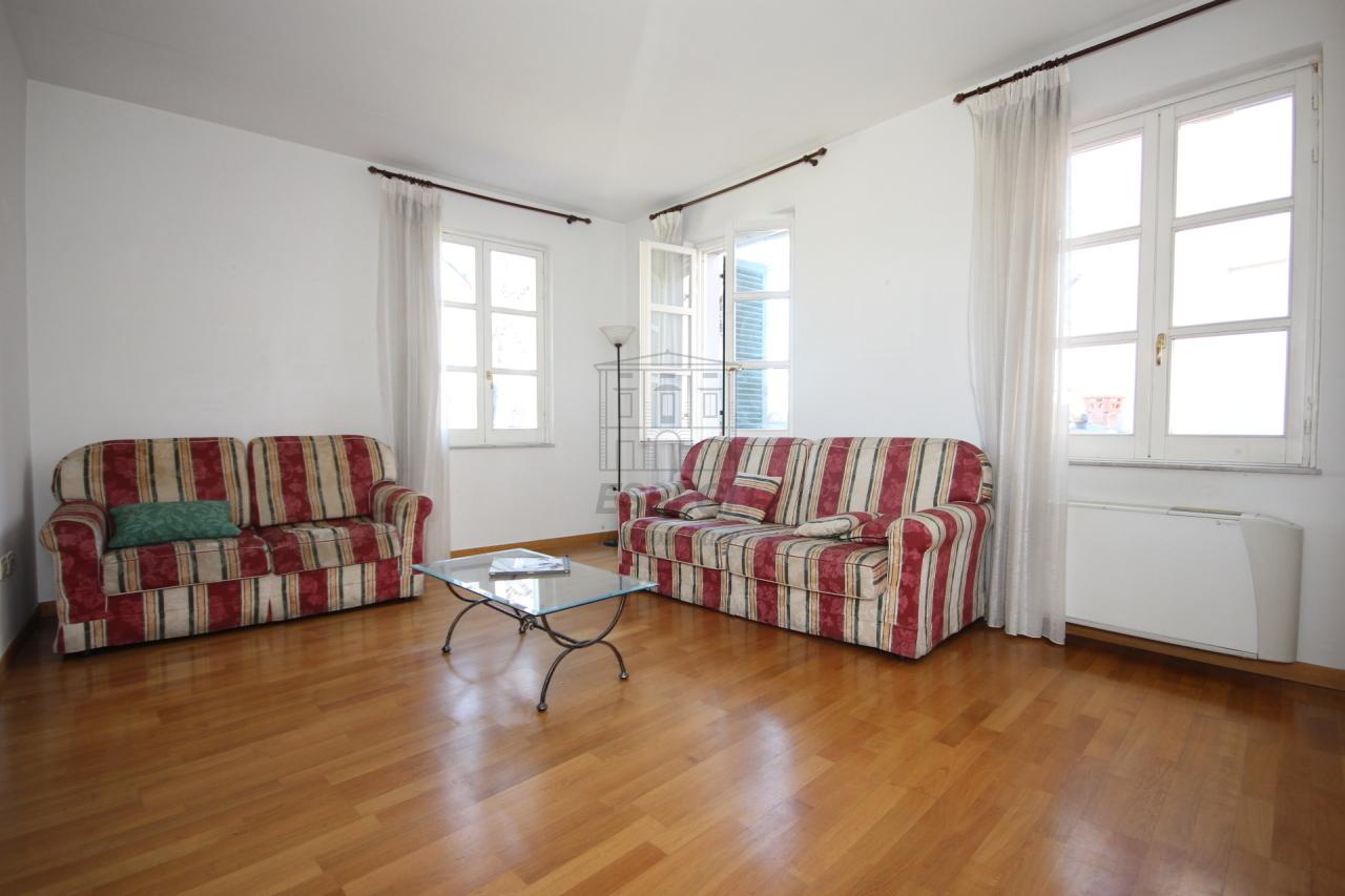 Appartamento Lucca Centro storico IA03213 img 2
