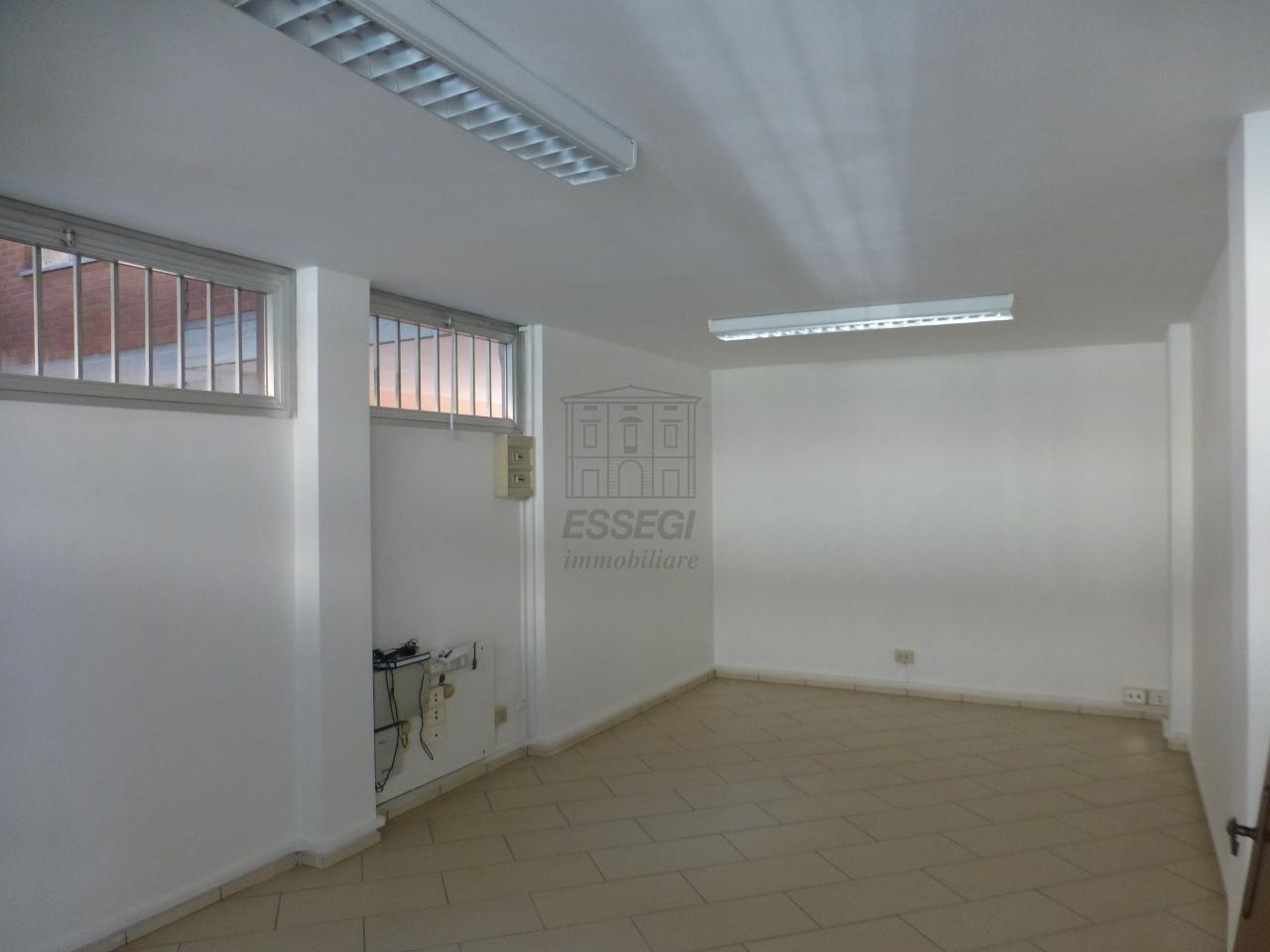 Ufficio - ristrutturato a Nord, Lucca Rif. 12171683