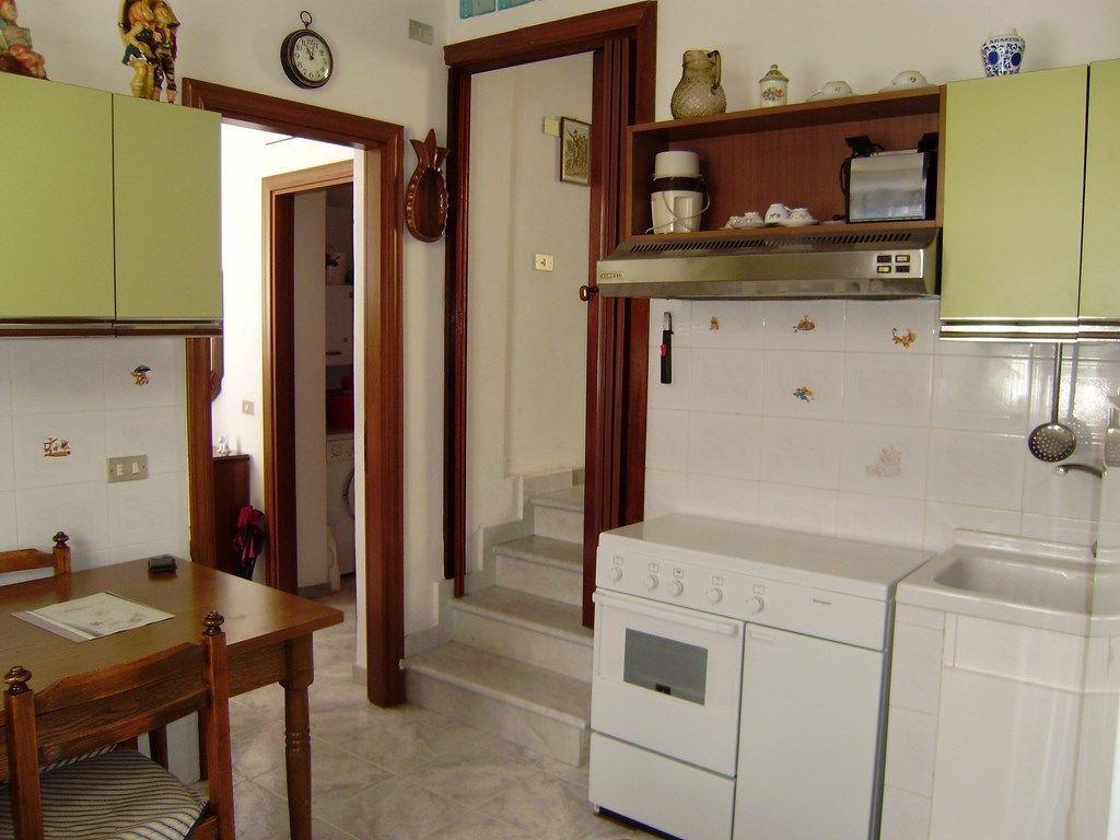 Appartamento in vendita a Castelnuovo Magra, 3 locali, prezzo € 75.000 | PortaleAgenzieImmobiliari.it